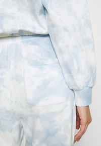 Even&Odd - SWEAT & JOGGER TIE DYE SET - Sweatshirt - blue - 6