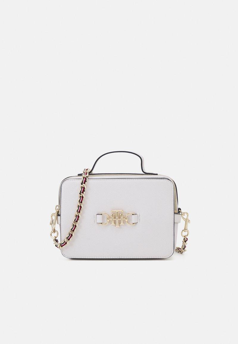 Tommy Hilfiger - CLUB CAMERA BAG - Handbag - white