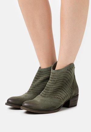 DRESA - Ankle boots - marvin birch