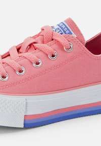 Converse - CHUCK TAYLOR ALL STAR PLATFORM MIDSOLE - Trainers - pink coral/white/purple sapphire - 5