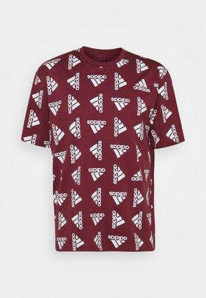 BLUV ESSENTIALS LOOSE - T-shirt med print - victory crimson