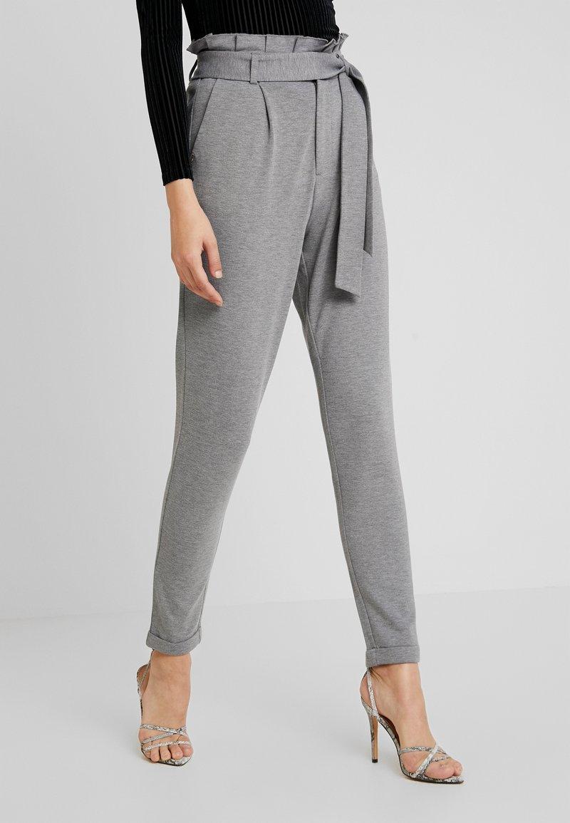 ONLY - ONLPOPTRASH EASY X PAPERBACK PANT - Trousers - medium grey melange