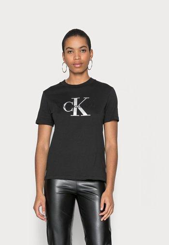GLOSSY MONOGRAM - T-shirts med print - black