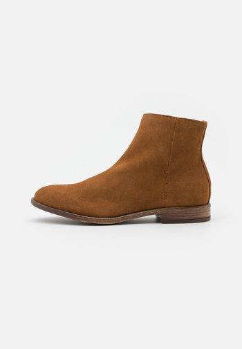 BADOSIEN - Classic ankle boots - cognac