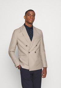 Isaac Dewhirst - UNISEX - Blazer jacket - beige - 0