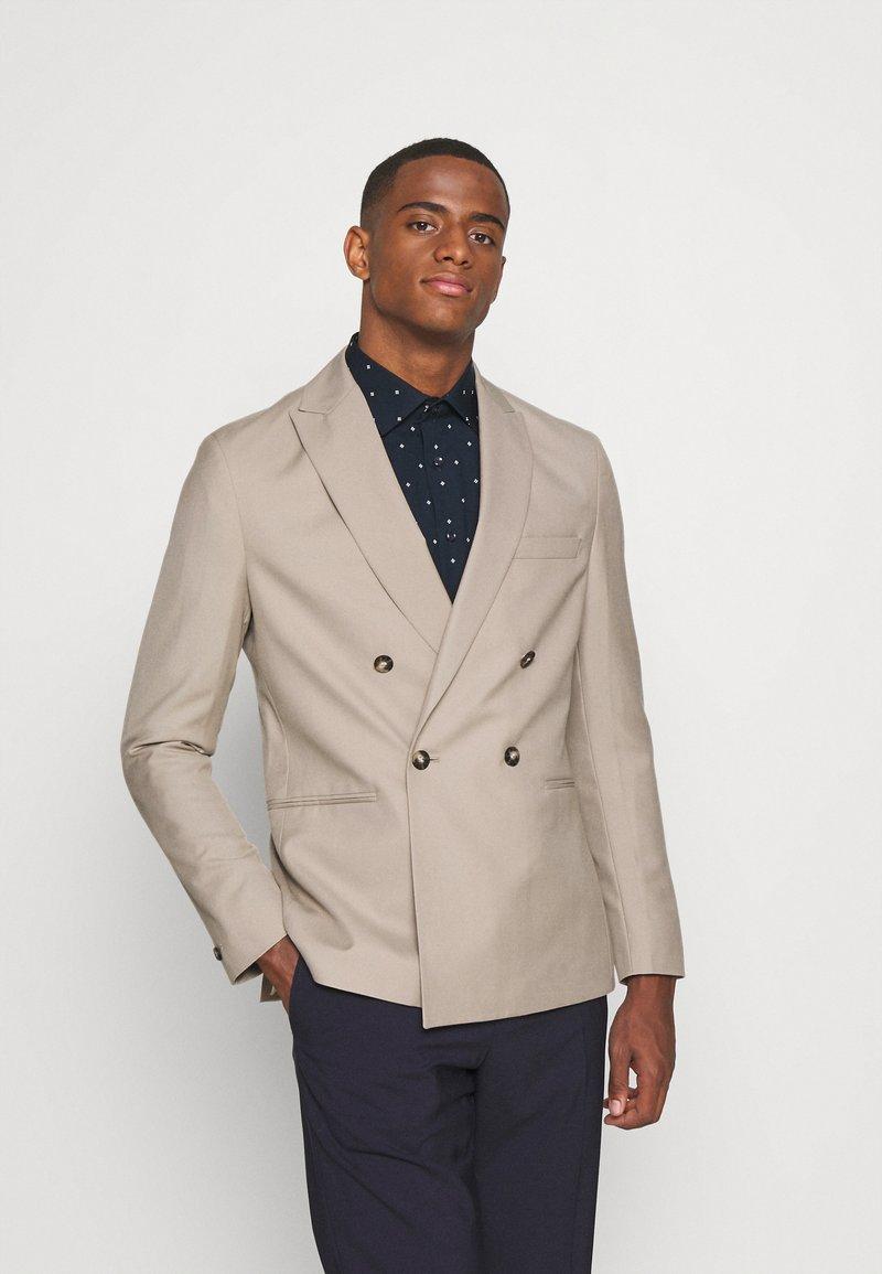 Isaac Dewhirst - UNISEX - Blazer jacket - beige