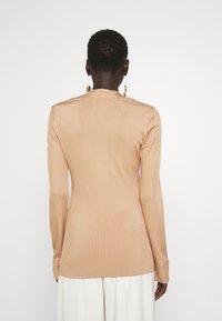 Libertine-Libertine - TONE - Long sleeved top - camel - 2
