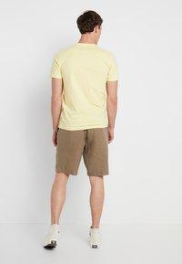 Abercrombie & Fitch - POP ICON CREW - T-shirt basic - popcorn with mood indigo - 2