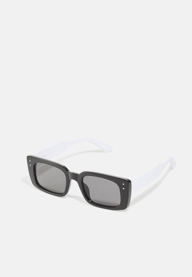 Sluneční brýle - black/white