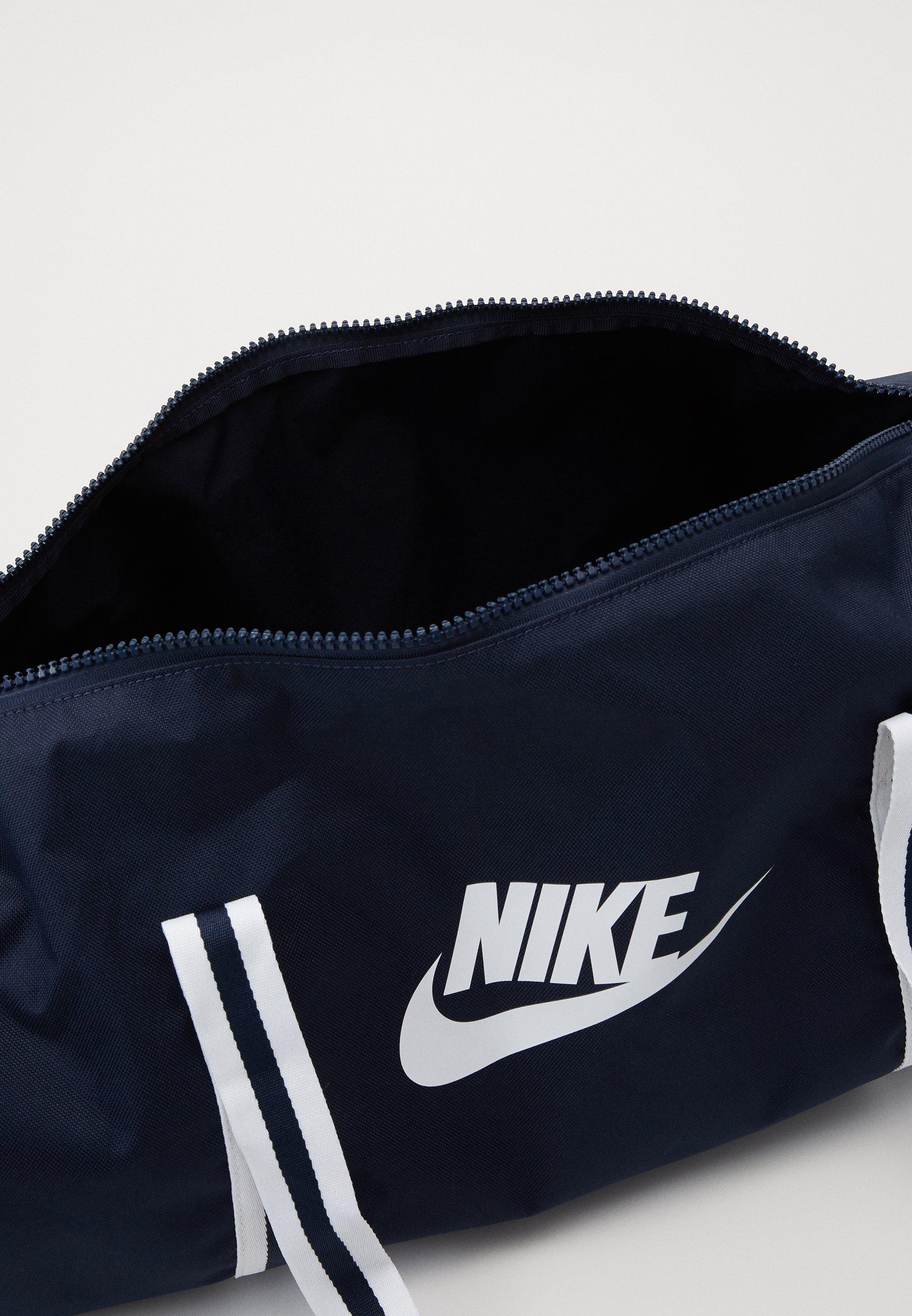 Nike Sportswear HERITAGE - Treningsbag - obsidian/white/mørkeblå RGWlEFmwjCsK10W