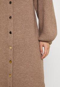 Fashion Union Petite - FAVOUR LONGLINE CARDI BUTTONS - Cardigan - camel - 5
