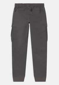 Automobili Lamborghini Kidswear - LOGOSCRIPT SPORTY - Cargo trousers - grey telesto - 1