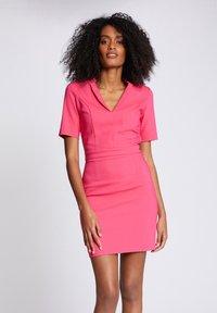 Morgan - Shift dress - neon pink - 0