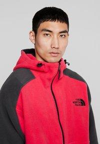 The North Face - RAGE CLASSIC HOODIE - Fleece jacket - rose red/asphalt grey - 4