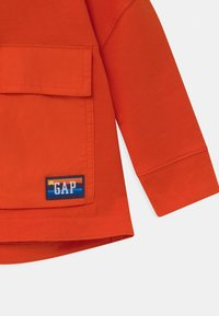GAP - TODDLER BOY HOOD - Hættetrøjer - grenadine orange - 2