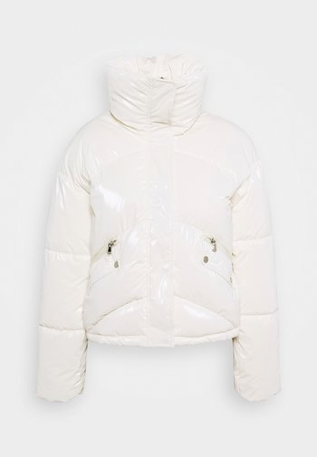 YOUNG LADIES WOVEN PADDED JACKET