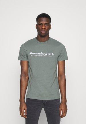 Abercrombie & Fitch T-shirt z nadrukiem - blue/niebieski Odzież Męska DCZQ