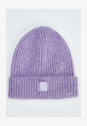 Beanie - purple