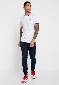 Bellfield - SPORTS RIB RAGLAN - Print T-shirt - white - 1