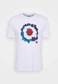 Ben Sherman - PLECTRUM TARGET TEE - Print T-shirt - white - 4