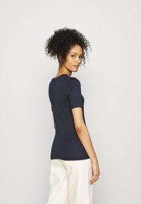 GAP - Basic T-shirt - true indigo - 2