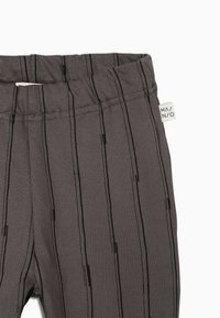 Mainio - STICKS - Tracksuit bottoms - charcoal grey - 3