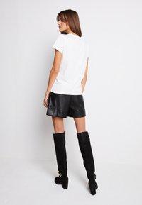 Pinko - BUSSOLANO - Print T-shirt - white - 3