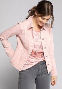 GINA LAURA - Denim jacket - puderrosa - 0
