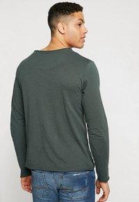 Key Largo - GINGER - Long sleeved top - bottle green - 2
