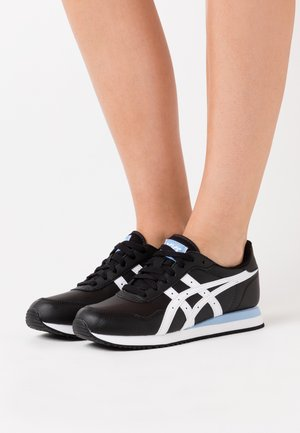 TIGER RUNNER - Sneakers basse - black/white
