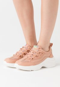 ONLY SHOES - ONLSIMBA CHUNKY - Sneakers laag - pink - 0