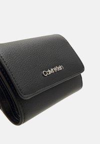 Calvin Klein - TRIFOLD - Peněženka - black - 5