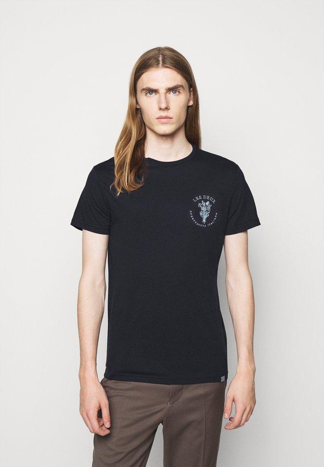 SPREZZATURA - Print T-shirt - dark navy