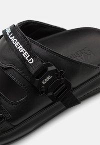 KARL LAGERFELD - KAPRI STRAP  - Pantofle - black - 6