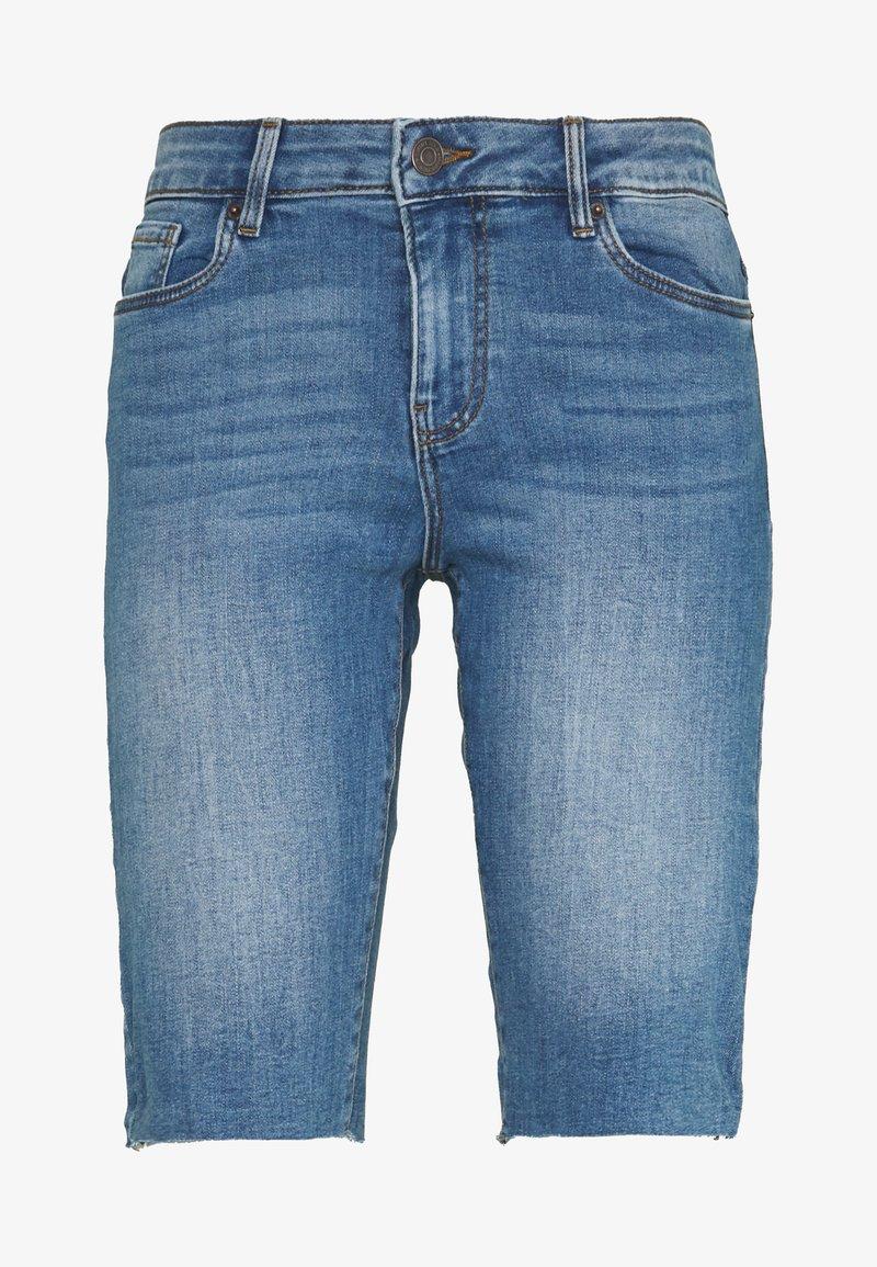 Vero Moda - VMSEVEN SLIM  - Shorts - medium blue denim