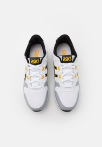 ASICS SportStyle - LYTE CLASSIC UNISEX - Trainers - white/saffron - 3