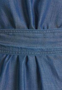 Emporio Armani - Sukienka jeansowa - denim blue - 7