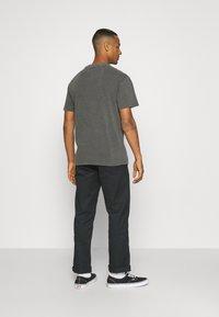 Tommy Jeans - FADED FLAG SCRIPT TEE UNISEX - Triko spotiskem - black - 2