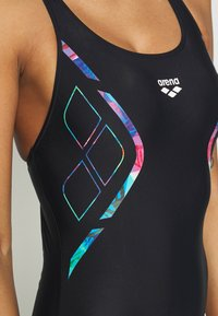 Arena - REFLECTED SIMMETRY V BACK ONE PIECE - Swimsuit - black/neon blue - 4