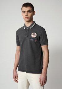 Napapijri - GANDY - Poloshirt - dark grey solid - 0