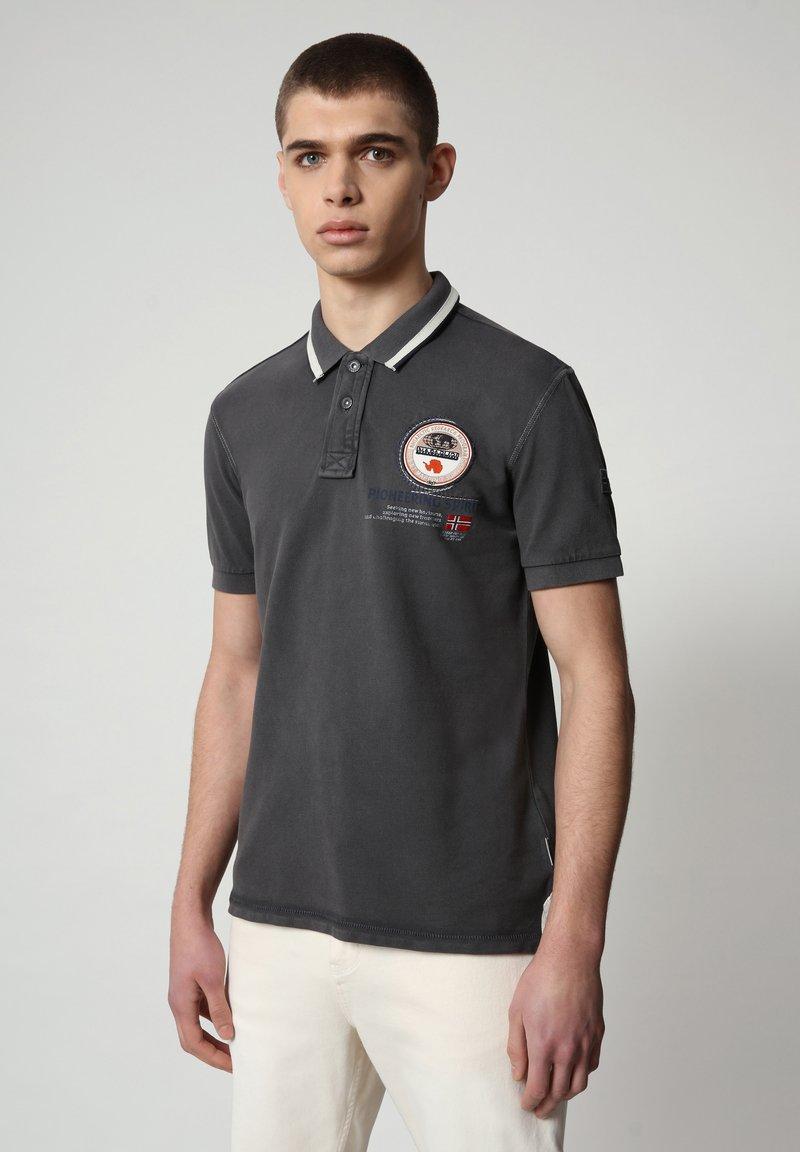 Napapijri - GANDY - Poloshirt - dark grey solid
