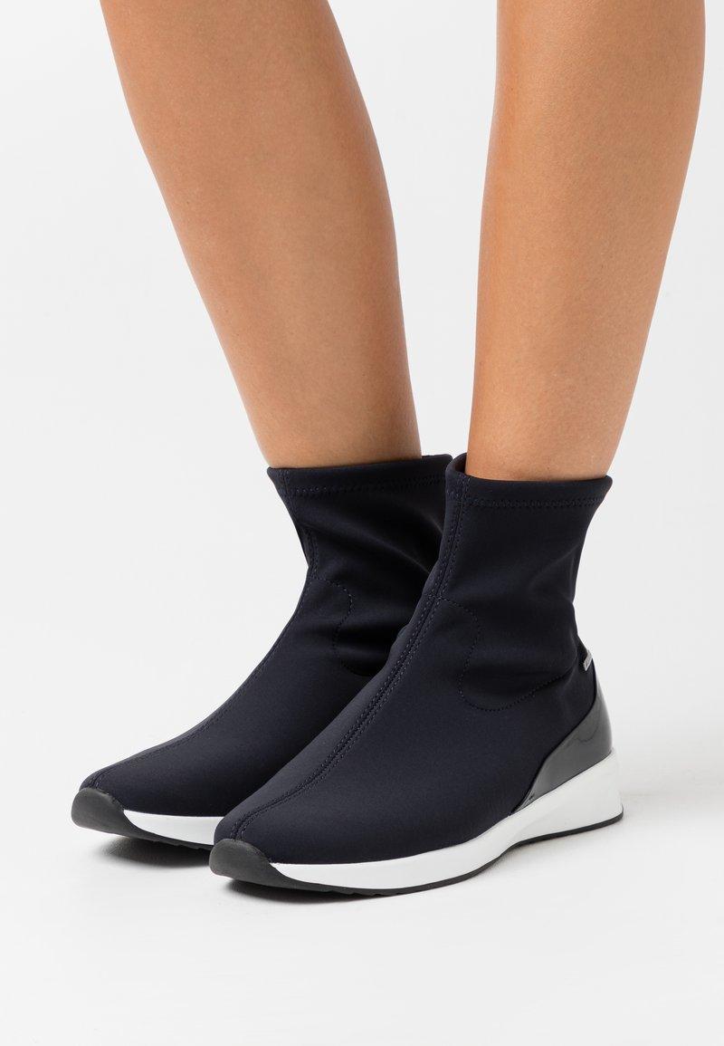 Högl - Kotníkové boty - ocean