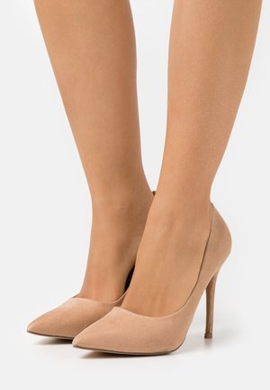 WIDE FIT CATERINA STILETTO COURT - Pumps - camel