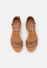 Tommy Jeans - ESSENTIAL WEDGE - Platform sandals - summer cognac - 5