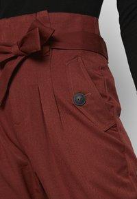Noisy May - NMROBERT PANT - Trousers - burnt henna - 4
