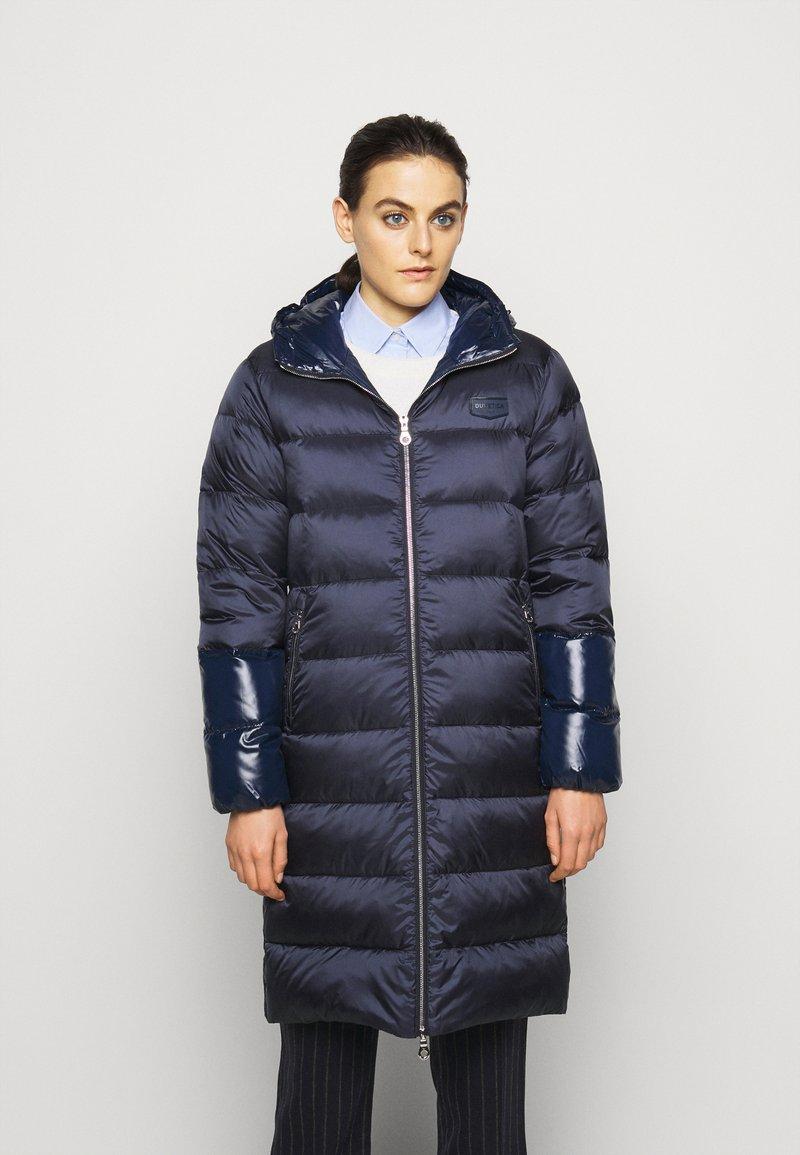Duvetica - MIAPLACIDUS - Kabát zprachového peří - blu scuro