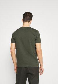 s.Oliver - Jednoduché triko - khaki/oliv - 2