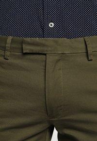 Polo Ralph Lauren - STRETCH SLIM FIT COTTON CHINO - Pantalon classique - expedition olive - 7