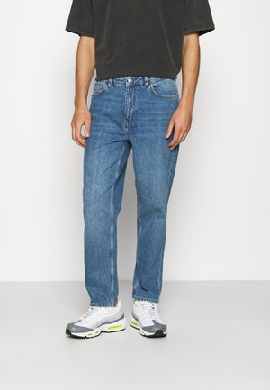 DAD FIT - Relaxed fit jeans - mid blue wash