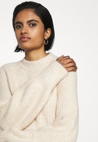 Monki - SONJA - Jumper - white dusty light - 3